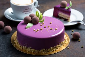 Blackcurrant-Entremet